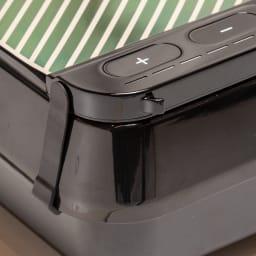 【送料無料】ルルド EMSシートプラス シェイプアップボードに取り付けても、単体でも!気になる部分にアプローチするEMSシート 薄くシンプルでスマートなデザイン。目的に合わせた3つのモードでトレーニングをもっと楽しく。 両サイドのフックを引っ掛けるだけで、簡単にシェイプアップボードに取り付け可能。