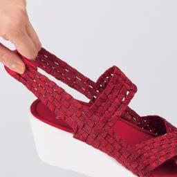 GOMUGOMU/ゴムゴム クロスゴム厚底サンダル ゴムを編み込んだメッシュが足首をやさしくホールドします。