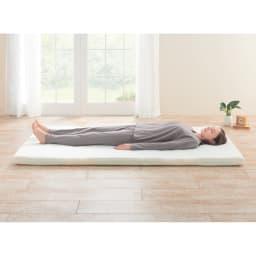 オクタスプリングマット 体の部位に合わせて硬さの異なるスプリングを配置することによって良い寝姿勢と体圧が分散。体への負担を軽減します。※写真はダブルサイズ(ベッド・ベッドマットレスは商品ではありません。中素材の色・配列は実際の商品と異なります)