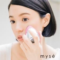 ミーゼ クレンズリフト (イ)ピンク  所要時間は最短1分。洗顔料を泡立てて塗布し、濡らした本体で円を描くようにすべらせます。やさしい使用感でキュッと肌が目覚めるので、朝洗顔にもぴったりです。