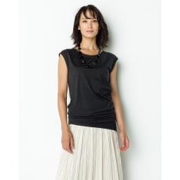 グロッシー素材 ボックスプリーツ ロングスカート コーディネート例