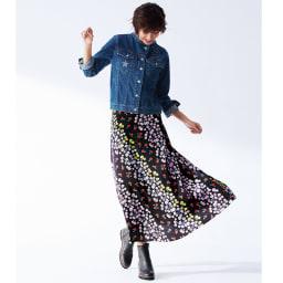 ニコちゃん刺しゅう デニムジャケット コーディネート例 /コンパクトなGジャンとロングスカートの黄金バランス