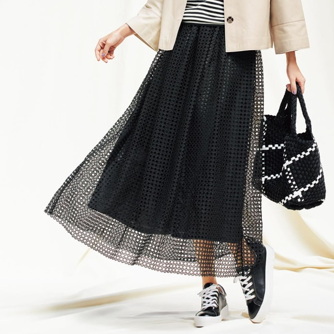 幾何学柄 レース ギャザースカート 着用例