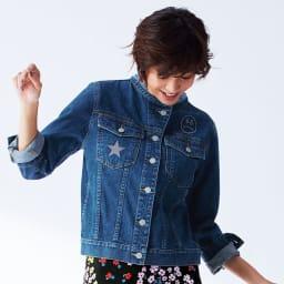 ニコちゃん刺しゅう デニムジャケット 着用例