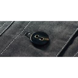シャンブレー ノーカラー シャツジャケット ボタン部分