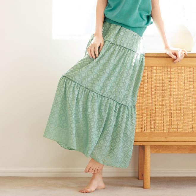 カットボイル ティアード スカート 着用例