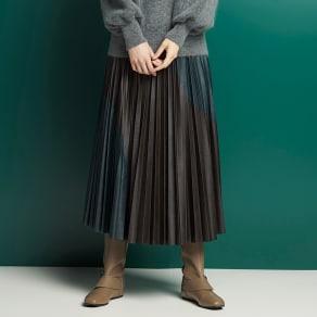 フェイクレザー 切り替え プリーツスカート 写真