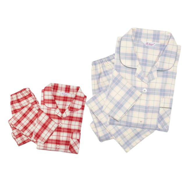 セシール 軽くてあったか中空糸パジャマ 左から(イ)レッド系 (ア)グレー系
