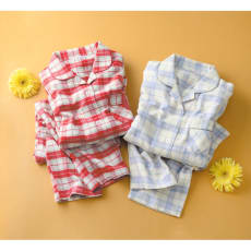 セシール 軽くてあったか中空糸パジャマ(綿100%・日本製)