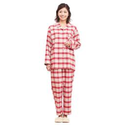 セシール 軽くてあったか中空糸パジャマ(綿100%・日本製) (イ)レッド系