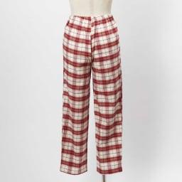 セシール 軽くてあったか中空糸パジャマ(綿100%・日本製) (イ)レッド系・・・パンツBACK