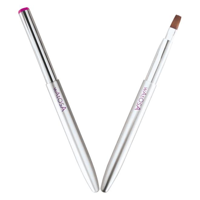WATOSA/ワトゥサ リップブラシ 携帯にも便利なリップブラシ 毛幅が広く、しなやかでコシがあるので、心地良く唇にフィットして美しいリップラインが描けます。