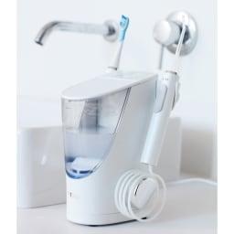 T-Time(電動歯ブラシ付き) シンプルで美しいデザイン。ホースを巻くロール部は人間工学に基づいた形状で、出し戻しがスムーズです。