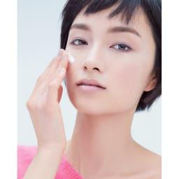 MICHIKO.LIFE/ミチコドットライフ スパークロイドシリーズ スパークロイドエッセンス (100g)お得な2本 『スパークロイドエッセンス』は濃密な炭酸の泡が肌に密着。肌を心地良くほぐしながら、配合された美肌成分が大人に必要な潤いをたっぷり補給して、ツヤとハリのある肌に。
