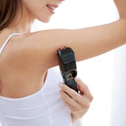 【送料無料】エレクトロン エブリワン デンキバリブラシ 滞りが気になる腕や脇にも。1回10分のオートオフ機能付きです。