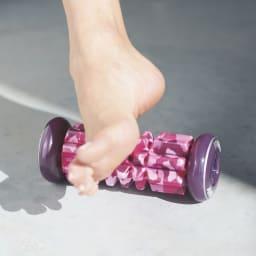 IMPHY/インフィ フットローラー FOOT ROLLER 足の側面は案外コリがたまっているパーツ。イタいけど気持ち良い!