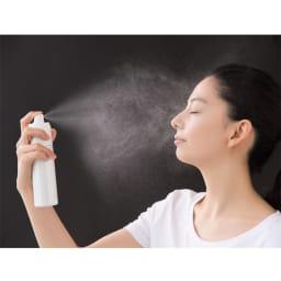 MICHIKO.LIFE/ミチコドットライフ スパークロイドミスト 120g ミストローションをしっかりとお肌に届けられる、エアゾールタイプにしたことで細かい霧状ミストが噴射されます。顔だけでなく、メイクの上やデコルテにもおすすめ。