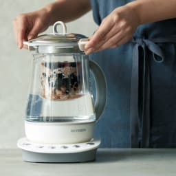 BUYDEEM 薬膳マルチポット インナーポットで玄米ご飯も楽々 インナーポットを使えば、さらに料理のバリエーションが広がります。ご飯を炊いたり、おかゆを作ったり。蒸し料理もお手のもの。