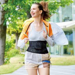 【送料無料】SIXPAD/シックスパッド パワースーツ ライト アブス 男女兼用 いつもの運動に、EMSをプラスすると、ランニング※やスクワットなどをしながらでも、他の部位の筋トレが可能。