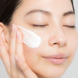 MICHIKO.LIFE/ミチコドットライフ スパークロイドシリーズ スパークロイドエッセンス 100g 特殊技術により実現した「溶解性炭酸水」と贅沢に配合された美容液成分が、お肌に潤いを与え、しっとりと吸い付くような肌に導きます。
