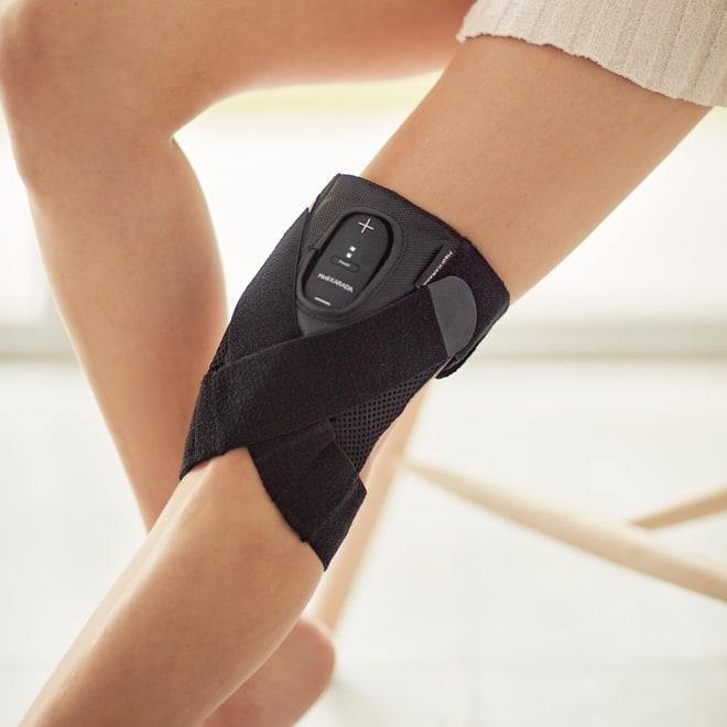 Medi KARADA/メディカラダ ひざ用EMSサポーター 安心のサポート力!こだわりのボーン&ベルト 普段は薄手&軽量のサポーターとして、洋服の中に着用できる『メディカラダ』。装着簡単なベルトタイプで、かがんだり歩いたりしやすい構造です。EMSトレーニング時は、同時にヒーターで温めればケア効率アップも期待!
