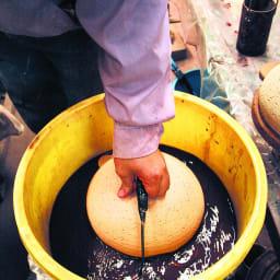 火加減いらずの長谷園かまどさん 3合炊き 遠赤外線効果の高い釉薬を使用しています。お米の芯まで熱が通り、ふっくらとしたとしたご飯が炊きあがります。