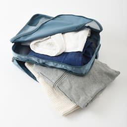 ダブルポケットオーガナイザーM・Lセット (イ)ブルーグレー 使用前・済みやアイテム別など、衣類を機能的に収納することができます。