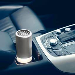 cado パーソナル空気清浄機 (ア)シルバー シガーソケットにも対応。ドリンクホルダーに納まるので車載用としても。