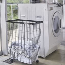 55L大容量ランドリーバスケット 洗濯機横にピッタリ収まります