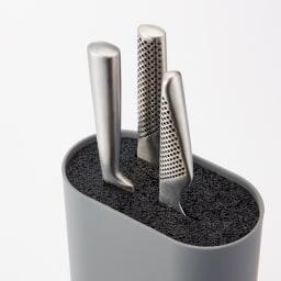 ナイフブロック どこにでもスッと差せてクセになる使い心地のよさ。