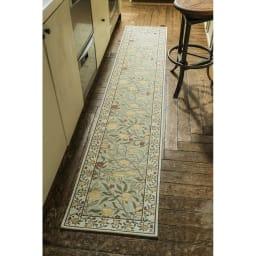 ベルギー製モリスゴブラン織マット〈フルーツ〉 (イ)グリーン系 ※写真は約45×240cmタイプです。