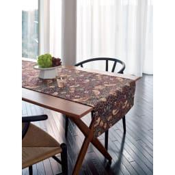 モリスデザインスタジオ ジャカード織 はっ水テーブルランナー〈いちご泥棒〉約64×180 (ウ)ダークバイオレット