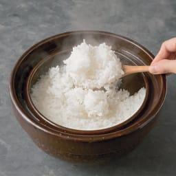 ロースト土鍋 8-10分中火にかけて火を止めて15-20分すればこんなに美味しそうなご飯が炊けます!