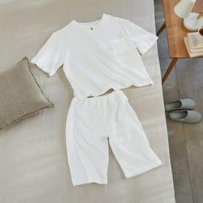 伸縮する二重ガーゼの半袖短パンパジャマ 写真