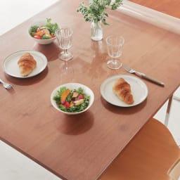 アキレス 透明テーブルマット(抗菌仕様) コーディネート例 ※写真は90×150cmタイプです。