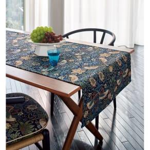 モリスデザインスタジオ ジャカード織 はっ水テーブルランナー〈いちご泥棒〉約64×180 写真
