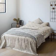 ピュア・モリス リバーシブル毛布〈ピュアいちご泥棒〉 約140×200cm