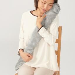 YUYU BOTTLE/ユーユーボトル 湯たんぽフリースカバー 抱き枕のように抱えて。温もりに癒されます。 使用イメージ