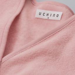 内野(ウチノ)/UCHINO さっと羽織れる レディースローブ 特許取得の「極薄やわらかタオル」生地を使用。両面がパイル生地で、肌当たり柔らか。