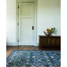 ベルギー製モリスゴブラン織ラグ〈いちご泥棒〉 (イ)ダークブルー