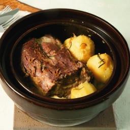 ロースト土鍋 かたまり肉も、ずっと弱火で焼くだけで本当に美味しいご馳走になります。