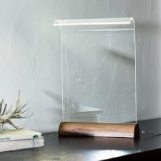 LEDデスクライト Glowide 木目タイプ 写真