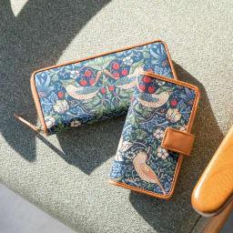 ベストオブモリス いちご泥棒 長財布 (左)長財布 お揃いでお使い頂けるスマホケースもございます
