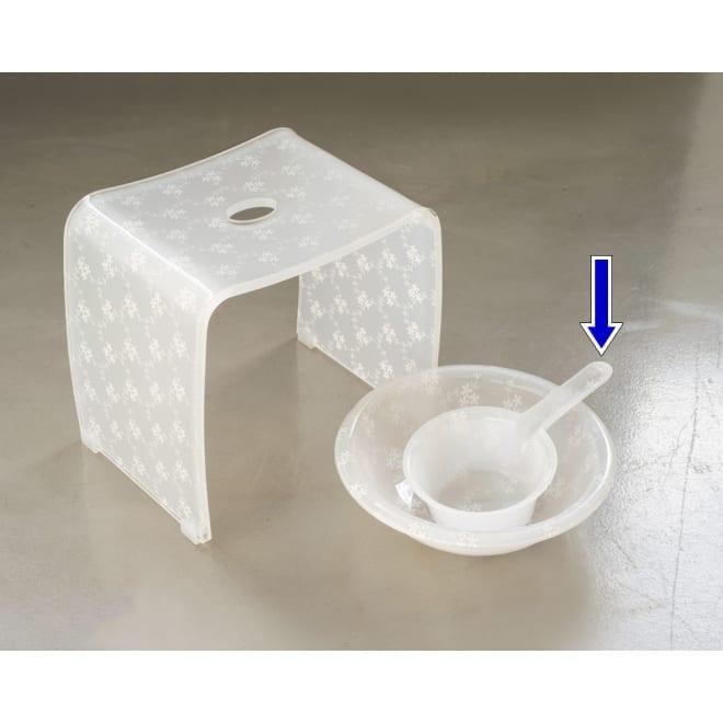 アクリル製バスチェアシリーズ ハンドペール ハンドペールもコーディネートすれば更にバスルームが印象的に。
