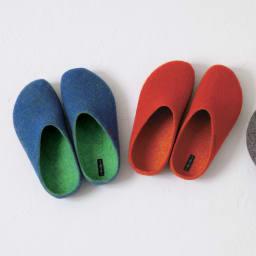 マジックフェルト スリッパ1足 ビビットカラー 左から(イ)ブルー系、(ア)オレンジ系