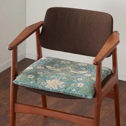 モリス ジャカード織 シートクッション (キ)いちご泥棒・ブルーグリーン系 ※写真は1人掛けです。