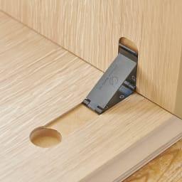 Slim すっきり折りたたみ可能なテーブル 幅120cm 扱いやすく、すっきりと仕上げるため金具にもこだわりました。