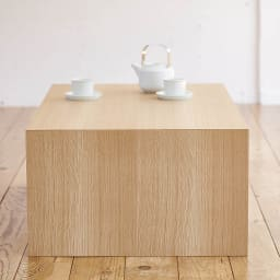 Slim すっきり折りたたみ可能なテーブル 幅120cm 柾目が美しいオーク天然木の化粧合板。反りが少なく、扱いやすい。