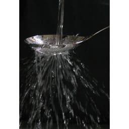 ののじ 穴あきおたも 大 ざっと洗うだけで汚れも簡単に落とせます。