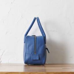 Coquette/コケット キュービック バッグ dinos限定カラー 横から見てもコロンとかわいい。マチは約15cm。小ぶりでもしっかり収納できます。